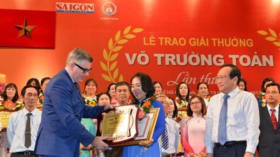 Giải thưởng Võ Trường Toản lần thứ 20 năm 2017: Tôn vinh 40 thầy, cô giáo tiêu biểu của TPHCM ảnh 5