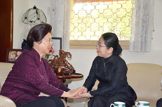 Lãnh đạo TPHCM thắp hương cố Thủ tướng Võ Văn Kiệt ảnh 1
