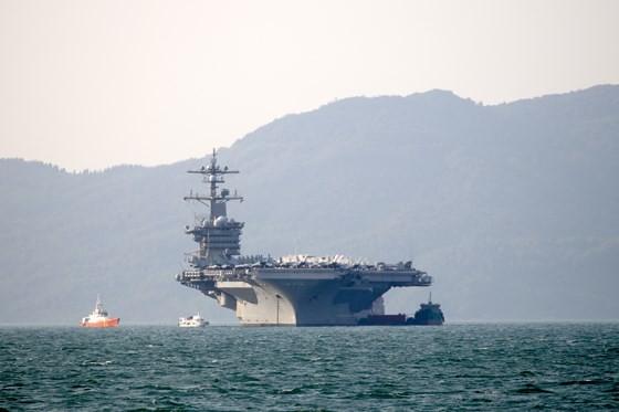 Tận mắt chiêm ngưỡng tàu sân bay USS Carl Vinson tại Đà Nẵng ảnh 14