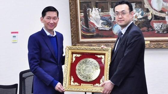 Bí thư Thành ủy TPHCM Nguyễn Thiện Nhân thăm công trình thoát nước ngầm khổng lồ nhất thế giới ảnh 5