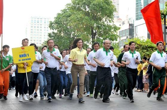 TPHCM tổ chức Ngày chạy Olympic năm 2018: Hơn 6.000 người tham dự ảnh 1