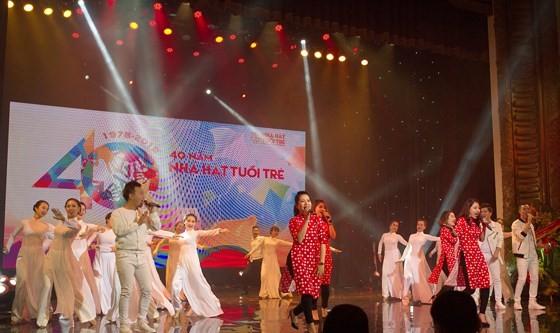 Phó Thủ tướng Vũ Đức Đam: Nhà hát Tuổi trẻ luôn đi đầu trong sáng tạo nghệ thuật ảnh 3