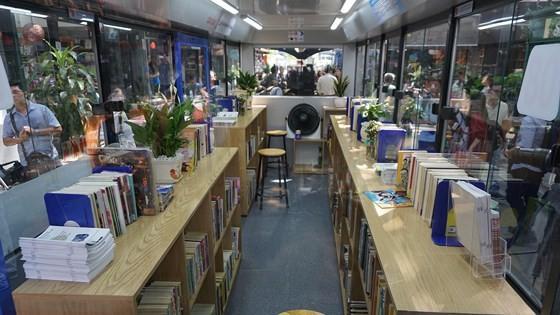 TPHCM ra mắt xe buýt sách ảnh 4