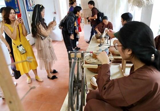 Hội An ra mắt công viên văn hoá trên sông Hoài ảnh 1