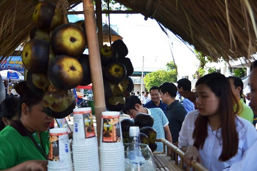 Festival seeks to build brand names for southern traditional cakes ảnh 5