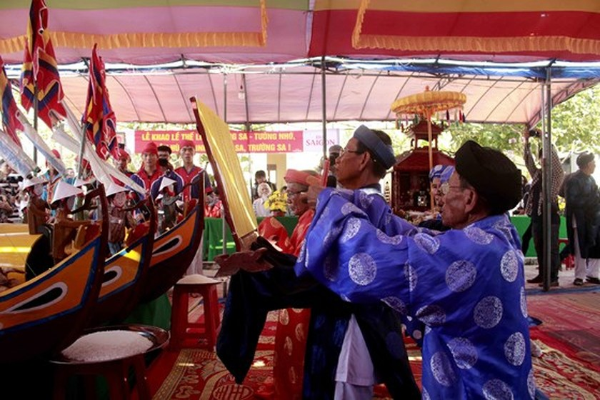 Soldiers of ancient Hoang Sa Flotilla commemorated in Quang Ngai ảnh 1