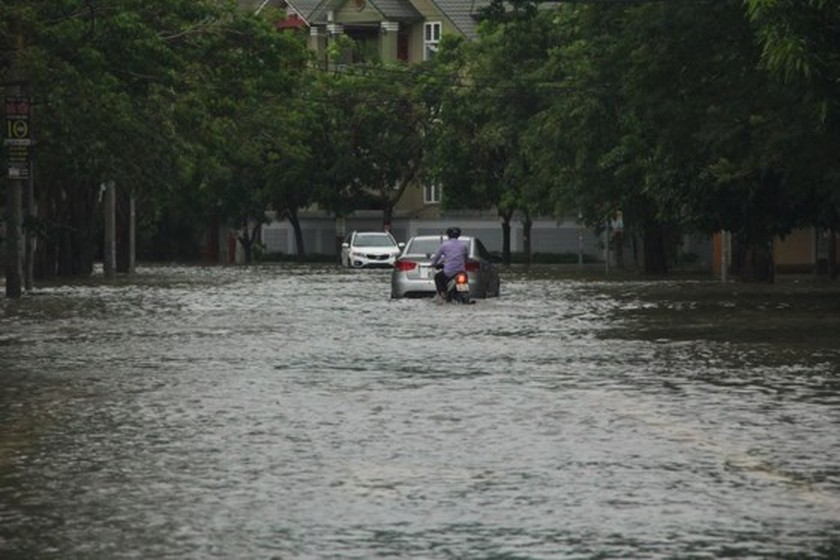 Downpour causes serious flooding in Thanh Hoa ảnh 2