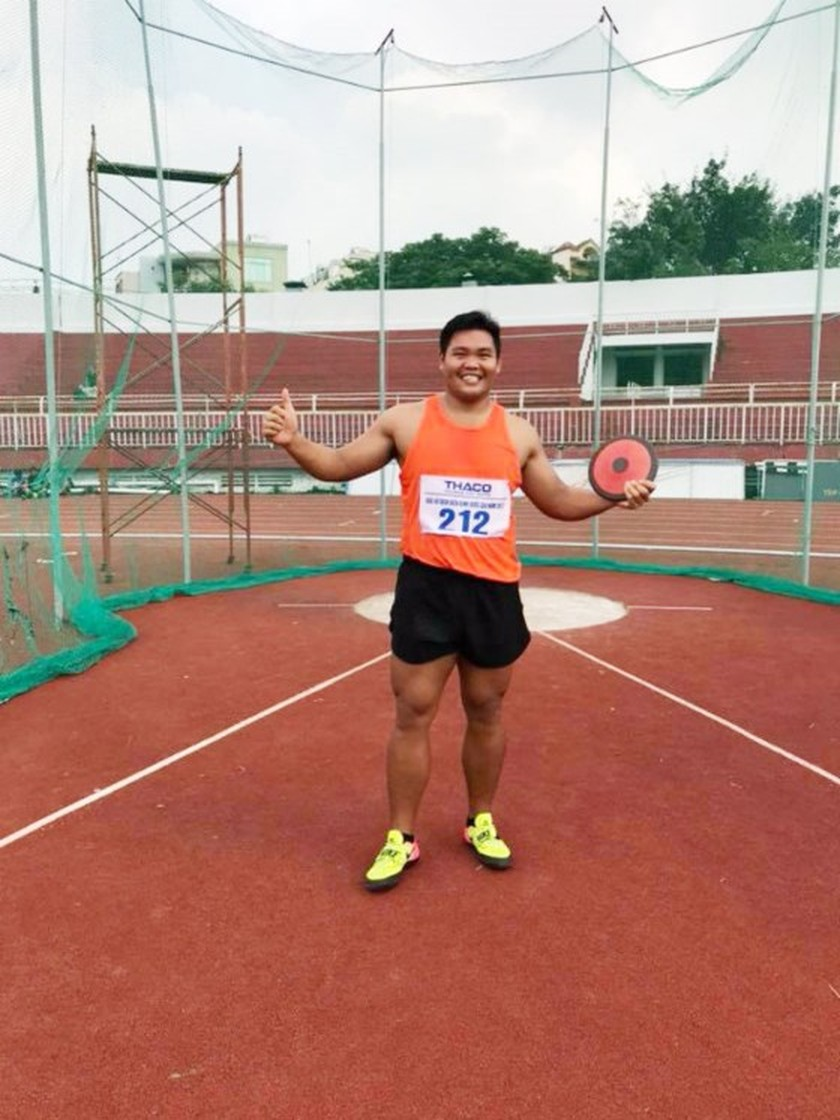 HCMC team breaks 4x200 m relay record at National Track & Field Championships ảnh 1