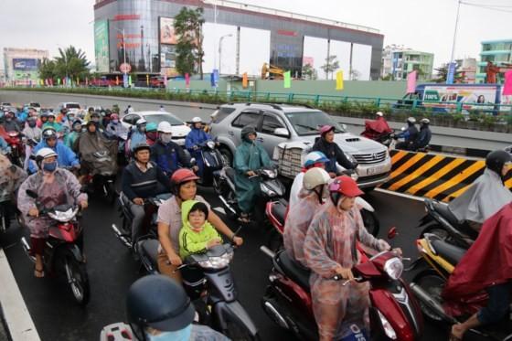 Da Nang opens to traffic for Dien Bien Phu- Nguyen Tri Phuong tunnel ảnh 2