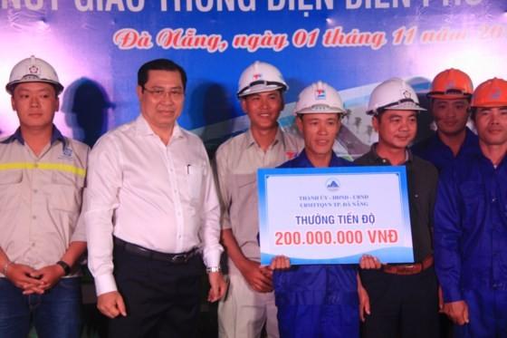 Da Nang opens to traffic for Dien Bien Phu- Nguyen Tri Phuong tunnel ảnh 4