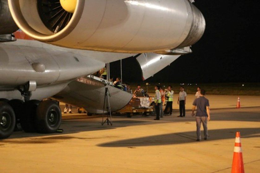 Russia's aircraft carrying humanitarian cargoes arrives in Cam Ranh   ảnh 4