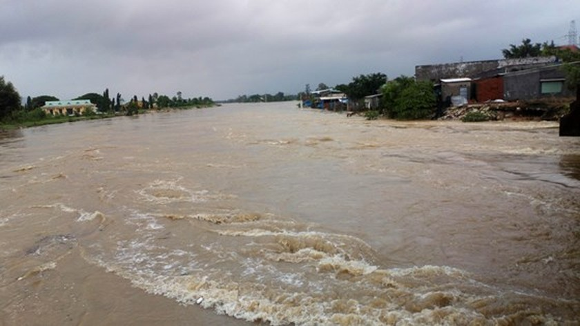 Nearly 29,000 houses moved due to huge flooding  ảnh 8