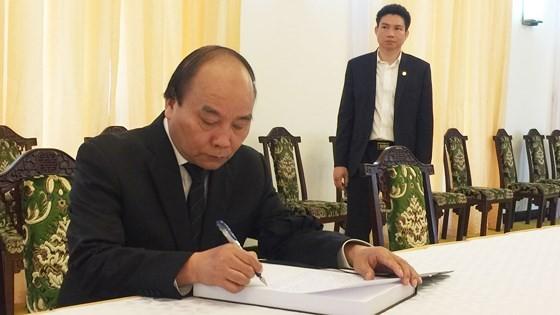 Vietnam declares two day national mourning for former PM Phan Van Khai ảnh 6
