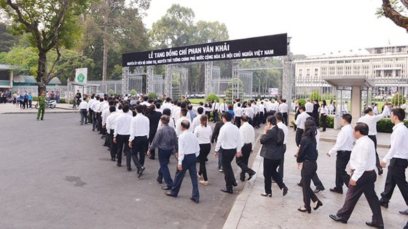 Vietnamese people bid last farewell to late PM Phan Van Khai  ảnh 5