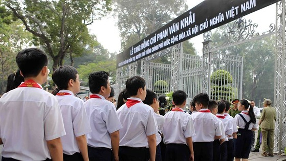 Vietnamese people bid last farewell to late PM Phan Van Khai  ảnh 4