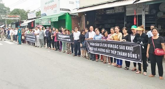 Vietnamese people bid last farewell to late PM Phan Van Khai  ảnh 18