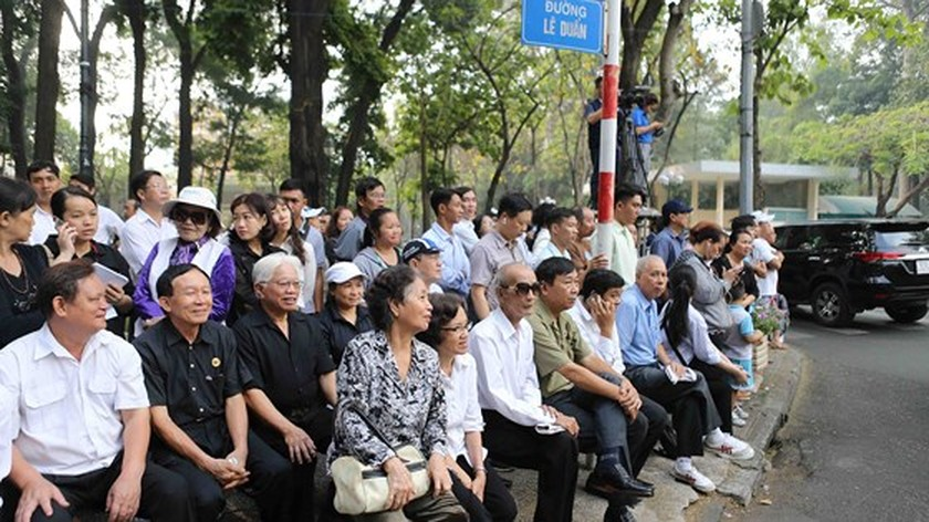 Vietnamese people bid last farewell to late PM Phan Van Khai  ảnh 7