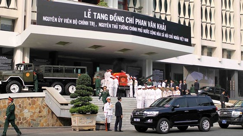 Vietnamese people bid last farewell to late PM Phan Van Khai  ảnh 8