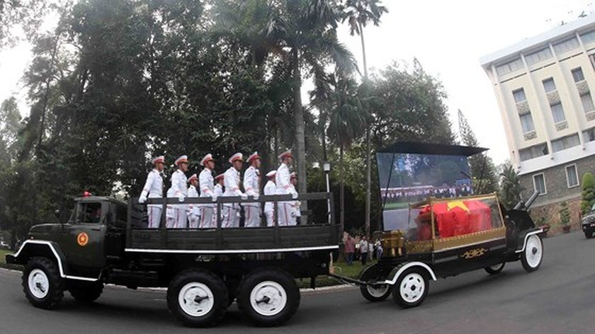 Vietnamese people bid last farewell to late PM Phan Van Khai  ảnh 10