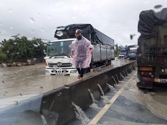 Deadly flooding downpour hits Nha Trang ảnh 1