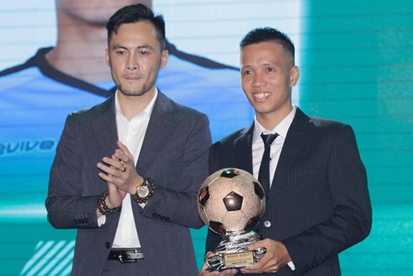 Nguyen Quang Hai wins 2018 Golden Ball Awards as expectation  ảnh 7