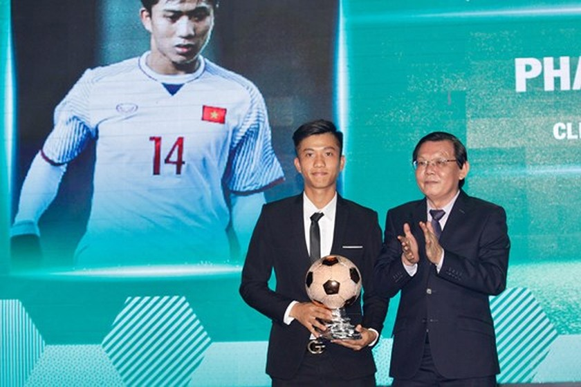 Nguyen Quang Hai wins 2018 Golden Ball Awards as expectation  ảnh 10
