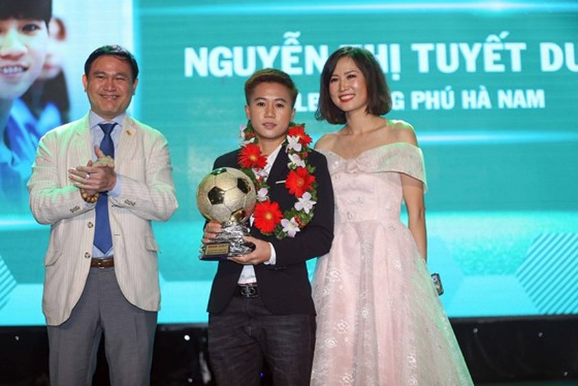 Nguyen Quang Hai wins 2018 Golden Ball Awards as expectation  ảnh 6