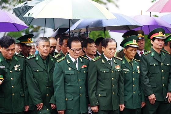 Hundreds of veterans commemorate martyrs in Po Hen Border Post ảnh 8
