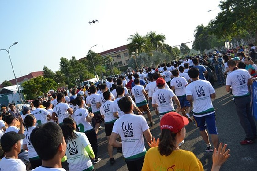 Over 4,000 people marathon for environment in Mekong Delta ảnh 1