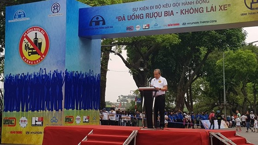 Thousands people walk for traffic safety  ảnh 3