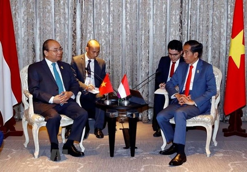 PM meets with leaders on sidelines of 34th ASEAN Summit ảnh 1
