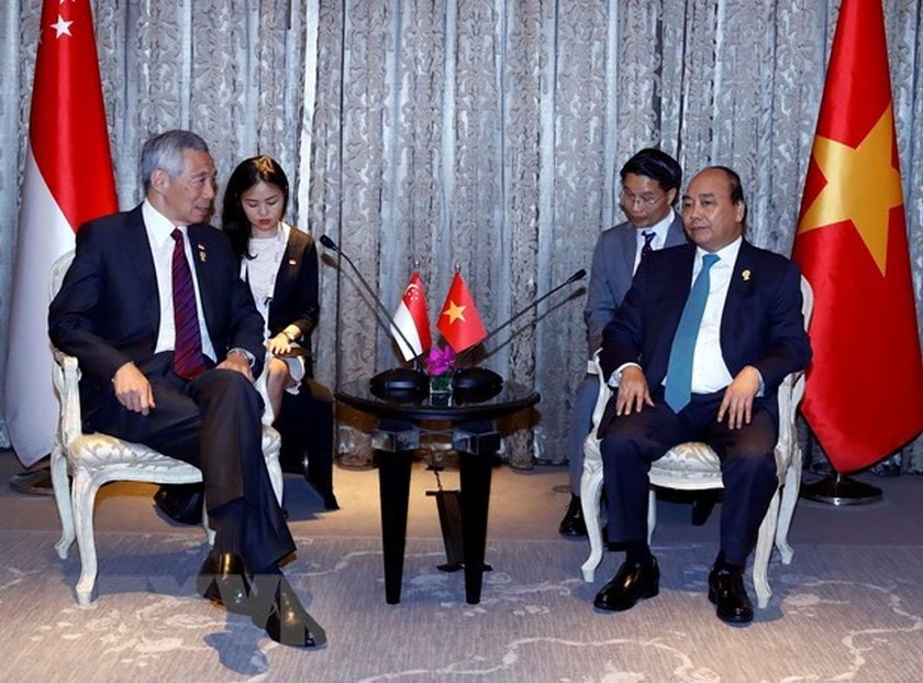PM meets with leaders on sidelines of 34th ASEAN Summit ảnh 2