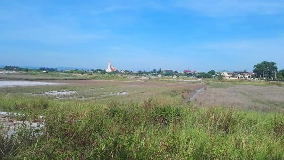 Ho Do salt field is deserted ảnh 9