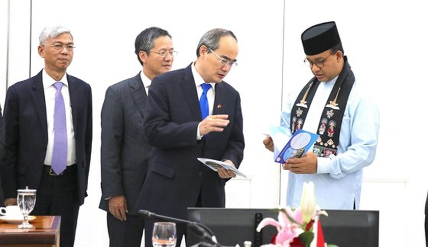 Vietnam proposes aviation, maritime connections with Indonesia ảnh 1