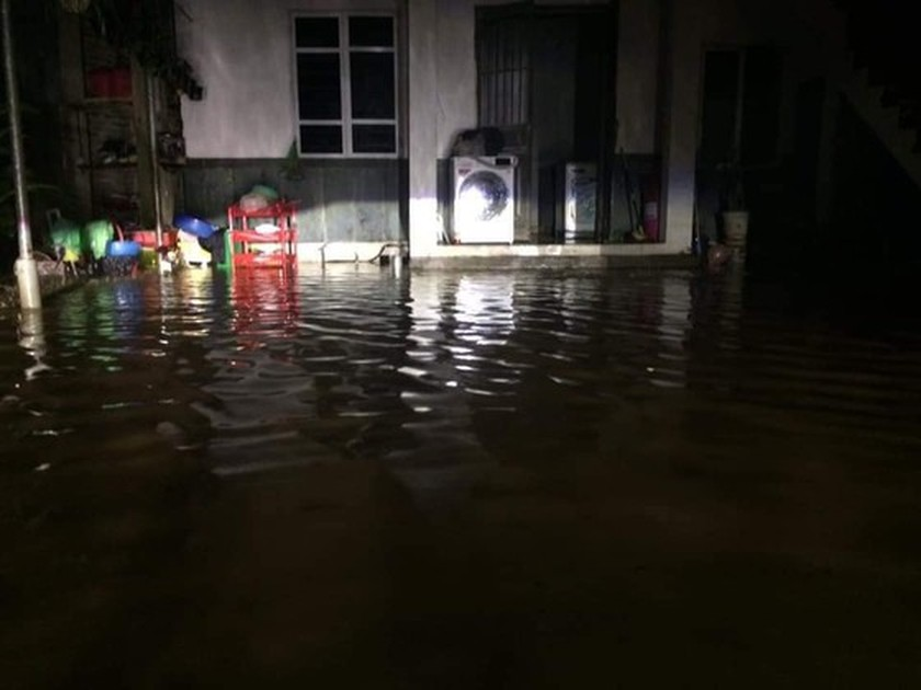 Torrential downpour causes flood chaos in Northern region ảnh 3