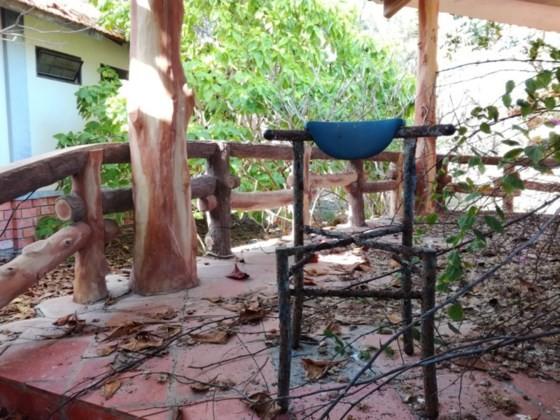 Resorts, restaurants abandoned after stop of Ke Ga seaport project ảnh 6