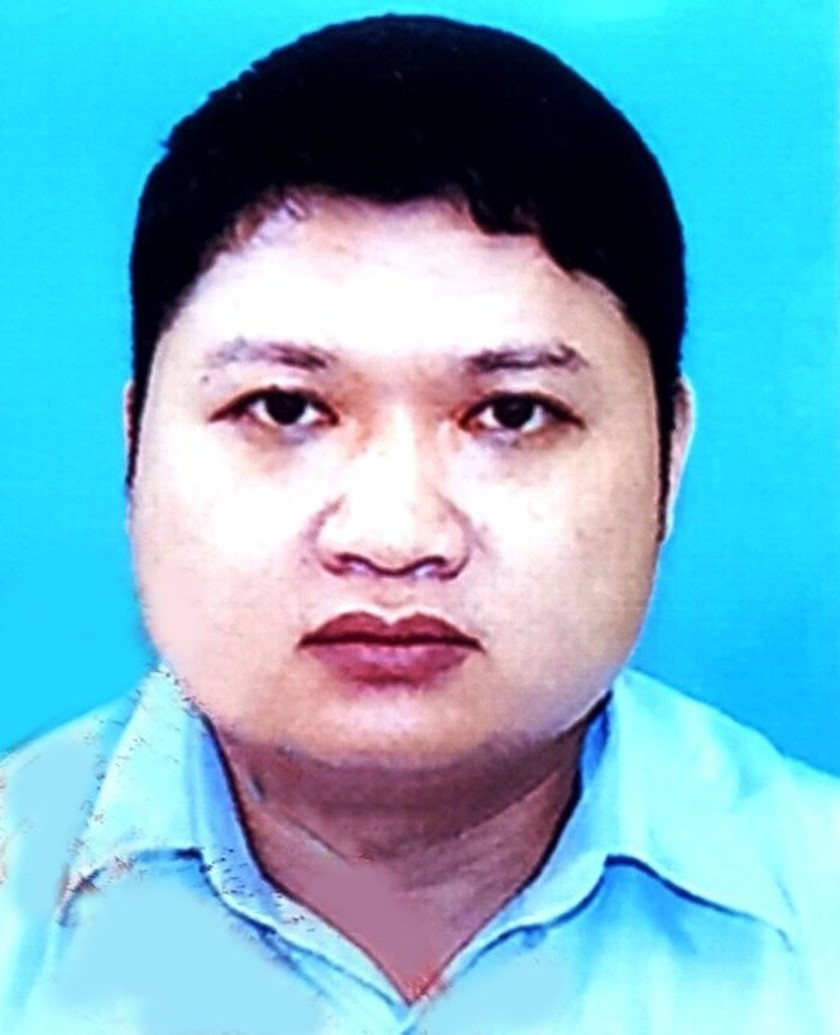 Police issue wanted notice to former boss of oil company ảnh 1