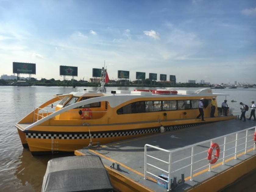 HCMC launches pilot operation of first river bus route ảnh 1