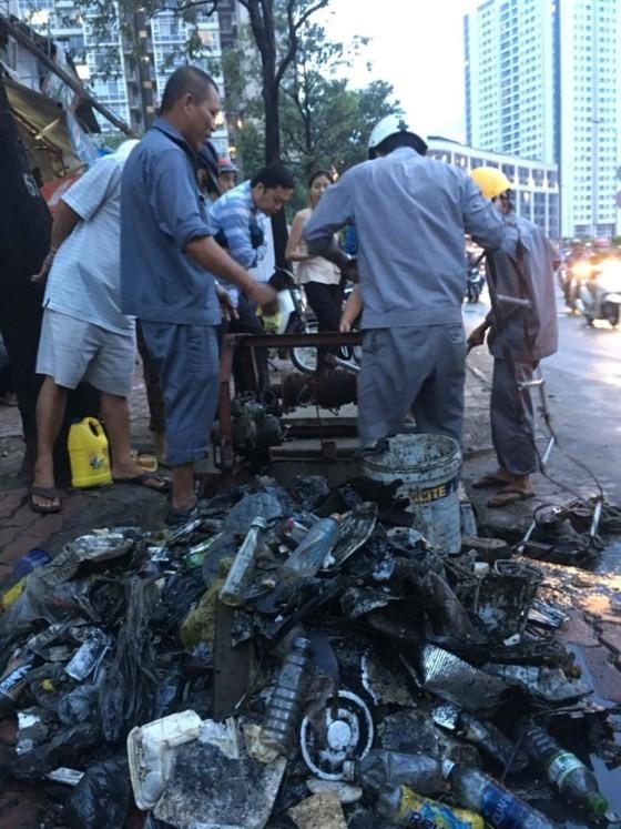 Anti-flooding pumps halt operation in Nguyen Huu Canh street ảnh 1