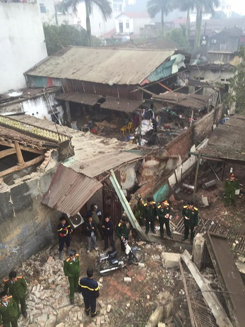 Nine causalities reported after big explosion in Bac Ninh province ảnh 8