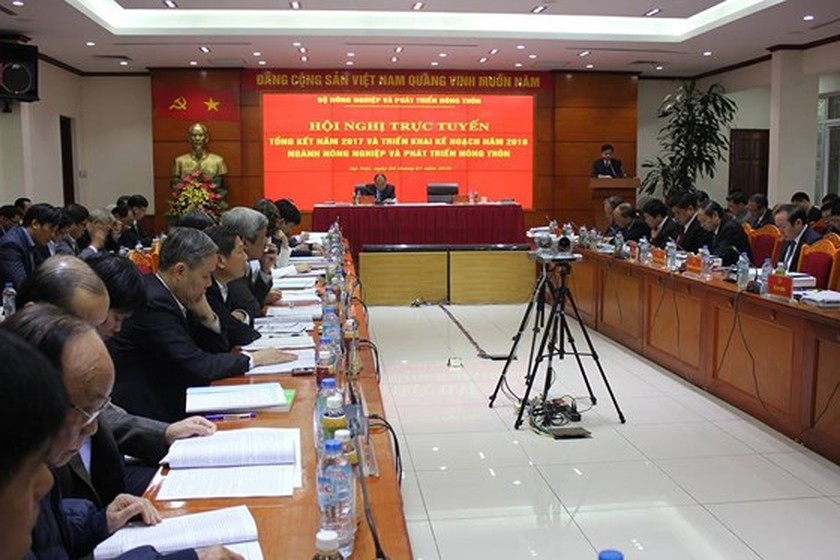 Minister proposes VND9 trillion assistance for agricultural restructuring ảnh 1
