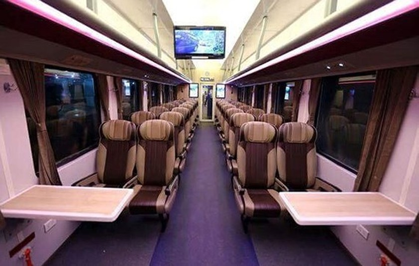 Vietnam Railways put into operation six high class trains ảnh 1