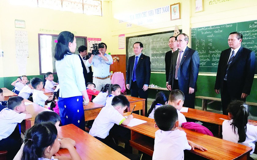 HCMC upholds, fortifies, develops special relationship with Lao Champasak ảnh 1