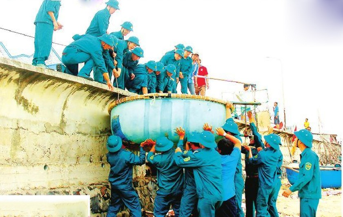 Southern Vietnam braces for typhoon Usagi ảnh 1