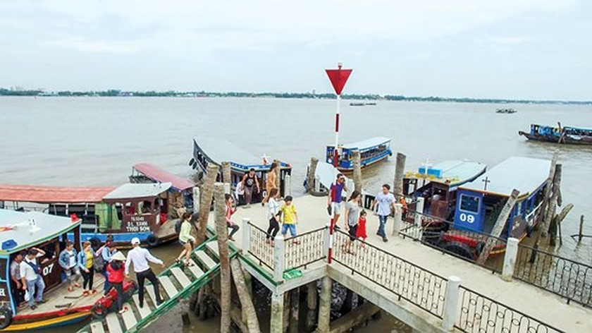 Phung Islet, tourist destination for holiday makers in Lunar New Year ảnh 2