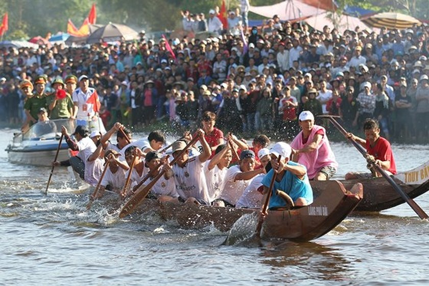 Traditional boat racing festival open in Thua Thien-Hue ảnh 4