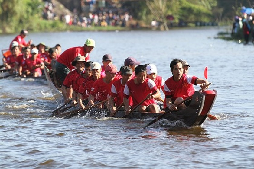 Traditional boat racing festival open in Thua Thien-Hue ảnh 2