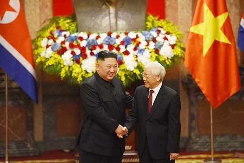 Top leader welcomes, holds talks with DPRK Chairman ảnh 7