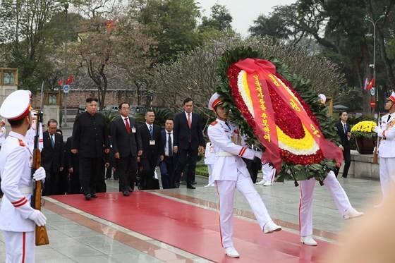 DPRK Chairman Kim Jong-un leaves Hanoi ảnh 11