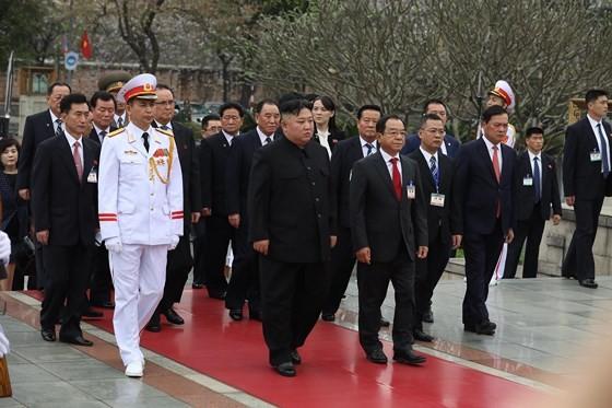 DPRK Chairman Kim Jong-un leaves Hanoi ảnh 12